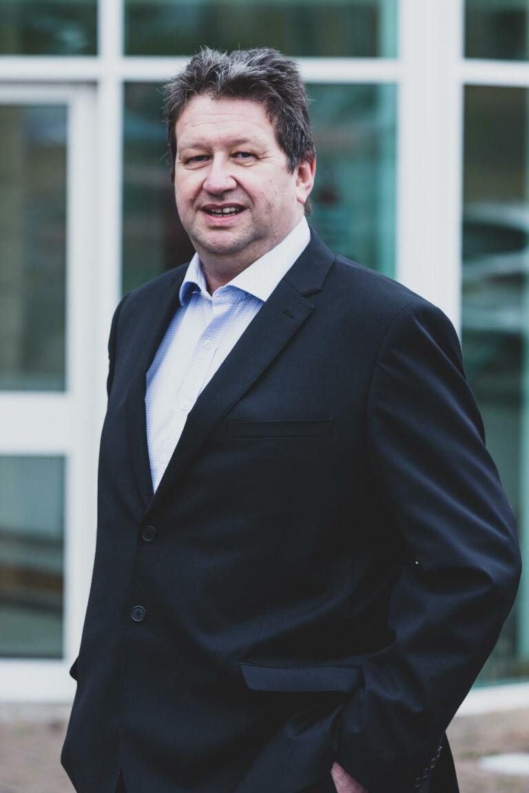 Neil Zamudio Estimating Manager Henstaff